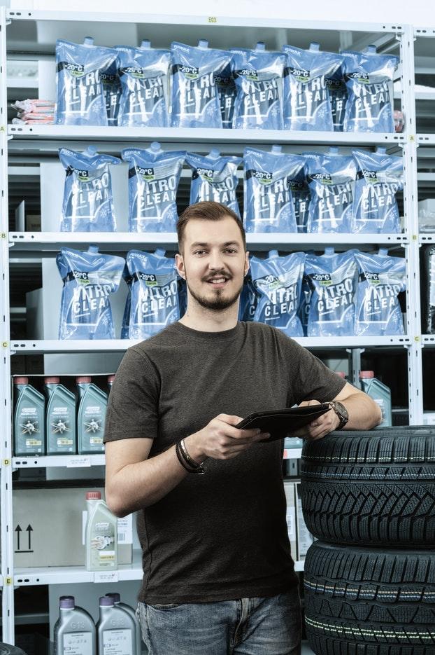 Detailhandelsfachmann/-frau EFZ Autoteile-Logistik