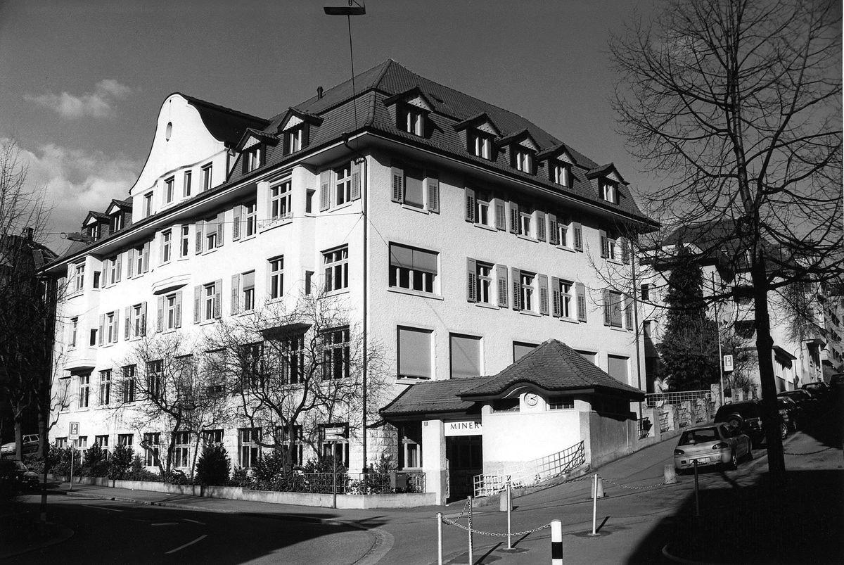 Schulhaus an der Scheuchzerstrasse 2 in Zürich