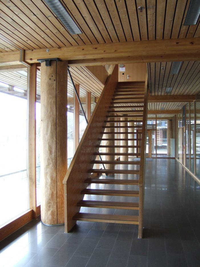 BZW Lyss - ein Gebäude mit viel Holz
