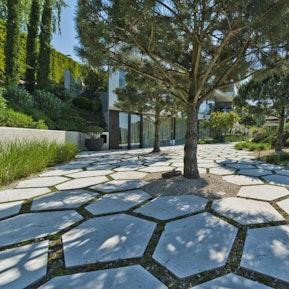 Referenzen von Natursteinarbeiten bei uns im Gartenbau