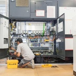 Unsere Mitarbeiter im Einsatz bei Neu- & Umbauten sowie Reparaturen.