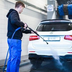 Reinigung der Fahrzeuge