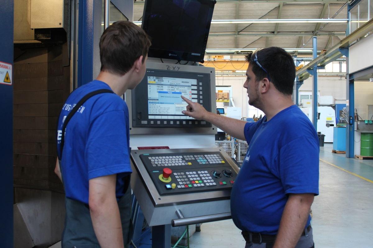 Polymechaniker - CNC Fertigung auf 5-Achsen Bearbeitungscenter