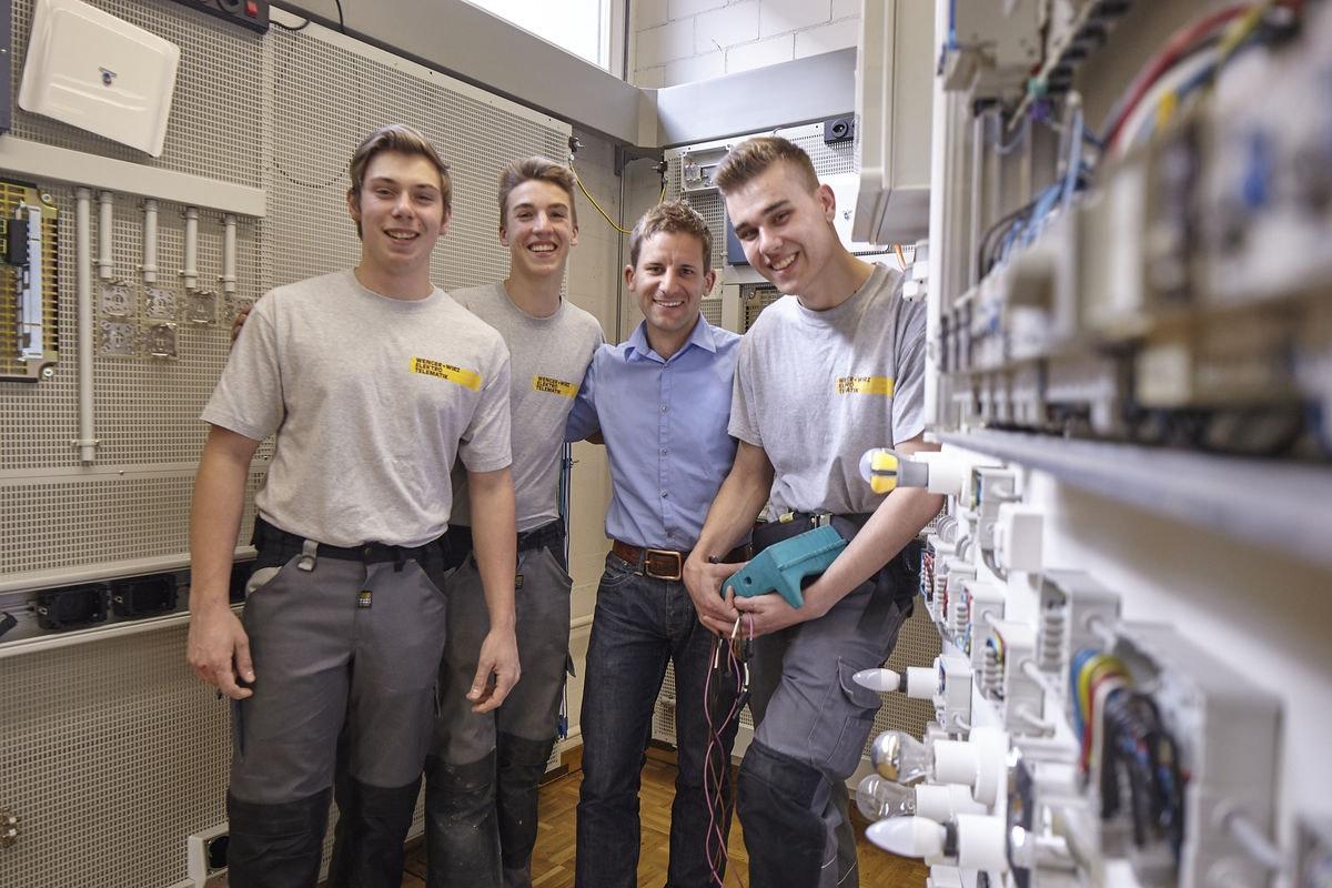 Eine abwechslungsreiche Zeit. Lehre als Elektromonteur oder Montage-Elektriker in der Baumann Koelliker Gruppe