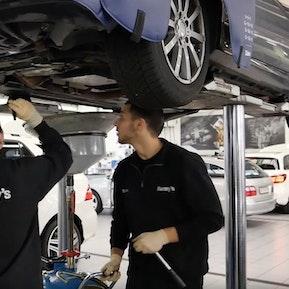 Automobil-Fachmann
