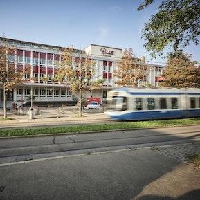 Hauptsitz an der Hönggerstrasse 115, 8037 Zürich