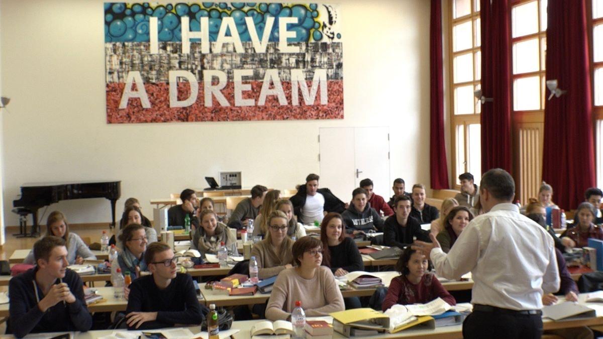 Einblicke in die KV-Lehre auf einem Notariat im Kanton Zürich