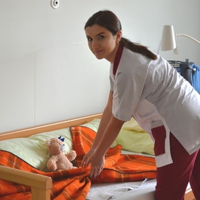 Pflegeberufe - FaGe, FaBe, AGS - deine hohe Sozialkompetenz ist gefragt